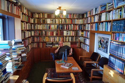 Anders Kjellson in his library